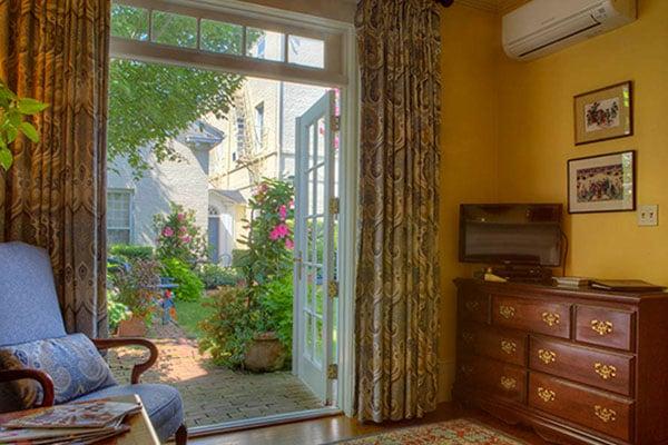 The Francis Malbone House, Rhode Island Courtyard Room - 5